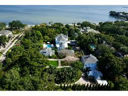 4621 Bayshore Blvd Tampa Fl 25 Photos Mls T2753993 Movoto Houses For Sale Tampa Fl 33611