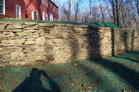 new england fieldstone retaining wall