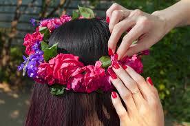 花嫁必見ヘアスタイル別のおすすめ花冠画像と手作り方法