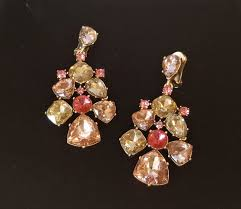 oscar de la a stunning large chandelier crystal earrings