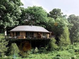 New Tree House Suites At Chewton Glen Hotel Hampshire Www Treehouse Hotel Hampshire