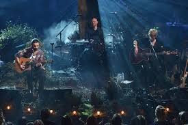 biffy clyro performs medicine black chandelier many of horror and mountains on mtv unplugged live pm studio world wide news