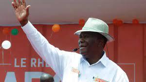 """ساحل العاج : المعارضة تدعو إلى """"العصيان المدني"""" لقطع الطريق أمام الحسن  واتارا في الانتخابات الرئاسية"""