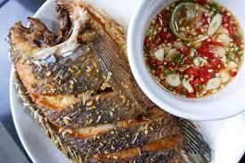 ปลานิลทอดกรอบ กินคู่กับน้ำปลาพริก และเทคนิคทอดปลาแบบไม่ติดกระทะ - Pantip