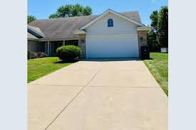 135 Polly Ln, Hobart, IN 46342 - MLS 459980 - Coldwell Banker