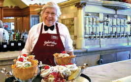 Ice Cream Server Guide To The Ice Cream Parlor Voted Indianas 1 Must See Destination