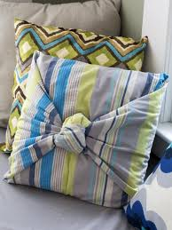 make throw pillows without sewing