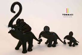 526 07 murano glass elephant family