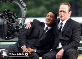 """men in black iii celebrity gossip net continuing the tradition of outstanding sci fi goodness """"men in black 3"""" has just released a new teaser trailer"""