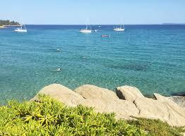 villa pieds dans l eau a vendre au lavandou vue mer panoramique accès privatif à la mer maison d architecte 3 chambres garage var cote d azur