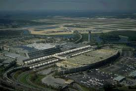 orlando international airport is the busiest airport in florida and having served more than 34 million pengers in 2005 the nation s 15th largest