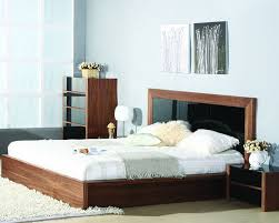 Modern Platform Bed with Blass Glass Inserts Headboard ...