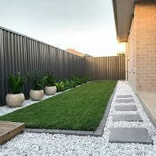 minimalist landscaping front yard