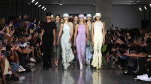 Max Mara <b>Spring Summer</b> 2020 Fashion Show - YouTube