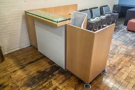 pre owned home office furniture. tuohy geneva 85u0027 x 7u0027 natural maple reception desks with leather features u0026 glass transaction counter u2022 peartree office furniture pre owned home n