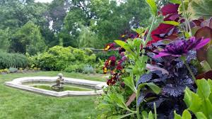 12 formal gardens in and around dc you ll love to wander