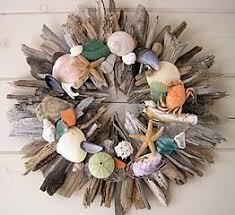 Colorful Driftwood Shell Wreath. Source: Craft Ideas