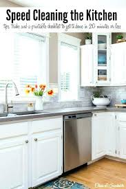 cleaning kitchen cabinet doors clean kitchen cabinets grease cleaning grease off kitchen cabinets clean grease off