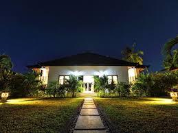 villa at night ile ilgili görsel sonucu