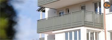 Mein haus sollte gestrichen werden, inkl holzfenster. Brenter Balkone Alu Holz Glas Und Edelstahlgelander Direkt Ab Werk Home