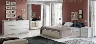 Shiny Black Bedroom Furniture White Shiny Bedroom Furniture 16 With White Shiny Bedroom