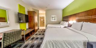 Hotels in Farmers Branch, TX | Holiday Inn Express & Suites ...