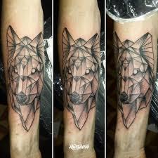 фото татуировки волк геометрия в стиле графика черно белые