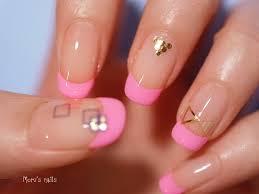 Morus Nails ネオンピンクでフレンチネイル