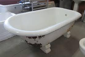 cast iron bathtub