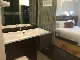 hotel maya kuala lumpur studio bathroom