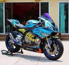 amazing valentino rossi shark motorcycle paint job valentino  valentino rossi shark bike