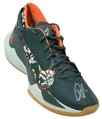 Find mens giannis antetokounmpo shoes at nike.com. Giannis Antetokounmpo Signed Right Green Zoom Freak Shoe Bas Itp Sports Integrity
