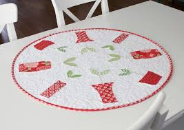 round sprouts table dec quilting pattern