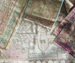 rachel ashwell s shabby chic rugs make a room both comfortable and cozy