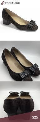 Ellen Tracy Barton Bow Pumps | Bow pumps, Black patent heels, Pumps