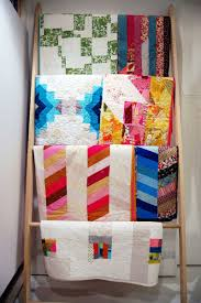 DIY Quilt or Blanket Display Ladder - Wise Craft Handmade & DIY Quilt or Blanket Display Ladder Adamdwight.com