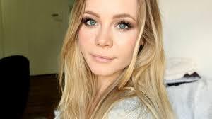 makeup for light blue dress hd image