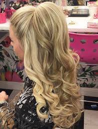 12 Curly Homecoming Hairstyles You Can Show Off Coiffure