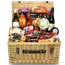 The Night before Christmas Hamper, combines quality, style and taste. This  luxury christmas food hamper includes Prosecco, luxury mince pies, ...