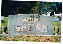 Iva Mae Hill Bates (1915-2000) - Find A Grave Memorial