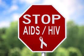 Dùng tay kích thích dương vật có bị phơi nhiễm HIV không