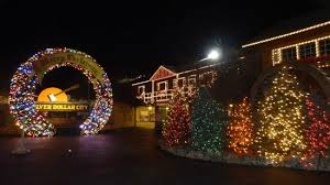 Silver Dollar City: great Christmas lights and decorations