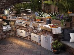 Außenküche Selber Bauen Natursteine Gartenblumen Eingebaute Küchengeräte  Metall Matt