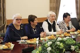 Правила получения красного диплома в казахстане Сколько четверок допускается для получения красного диплома или вообще не допускается 25 от всех предметов Это точная информацияни одной 25 от общего