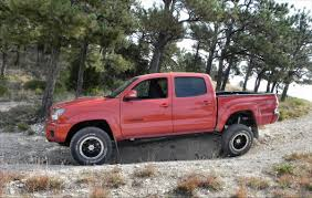 2015 Toyota Tacoma TRD Pro is Offroad Awesomeness - CarNewsCafe