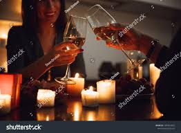 Candle Light Dinner Hd Images Beautiful Passionate Couple Having A Romantic Candlelight