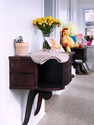 Traditional Foyer Table With Dark Wood Antique Style Console Table Ideas  Added Flower Vase And Decorating Designs Views