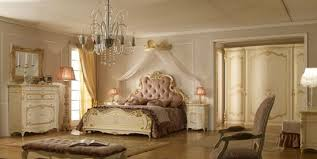 Tappeti Per Camera Da Letto Classica : Pareti camera da letto classiche bianco champagne carta parati