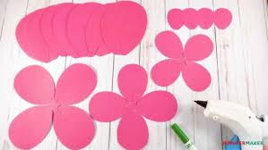 How To Make The Paper Flower How To Make Giant Paper Flowers Easy And Fast Jennifer Maker