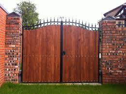 we can also adapt the wooden gates to include a steel frame for a more contemporary feel